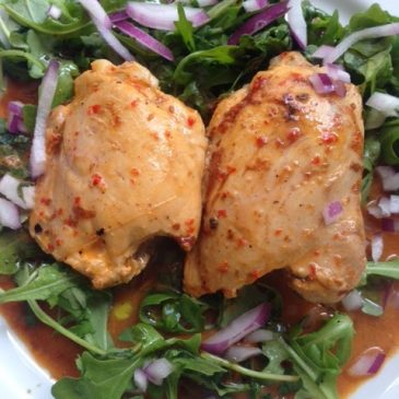 Chili chicken thighs with rocket by M. Kuehn