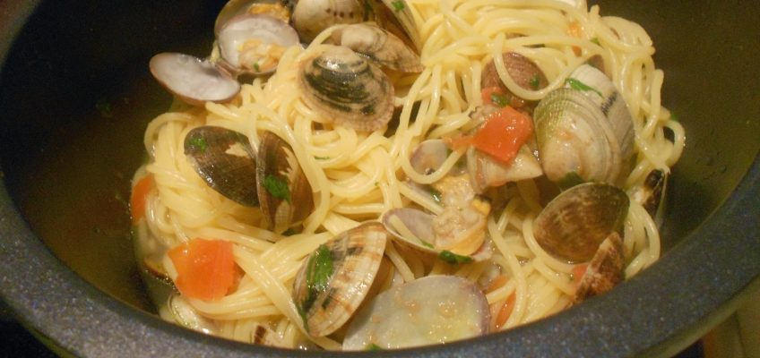 Spaghetti Vongole by Maria Kuehn